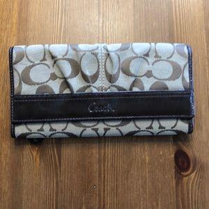 🌼 3/$20 🌼 Coach wallet